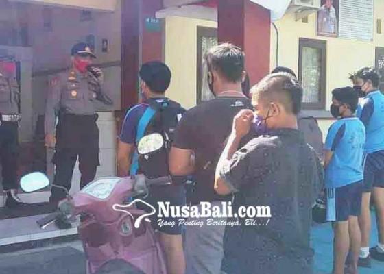 Nusabali.com - polsek-kubu-razia-pengendara-motor-tanpa-helm
