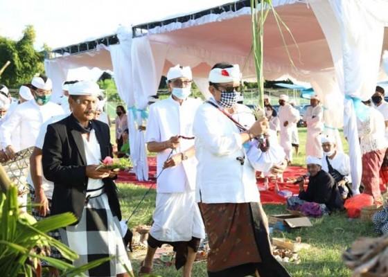 Nusabali.com - ap-i-gelar-upacara-peneduh-jagat-bali-mapakelem-lan-mabebangkit