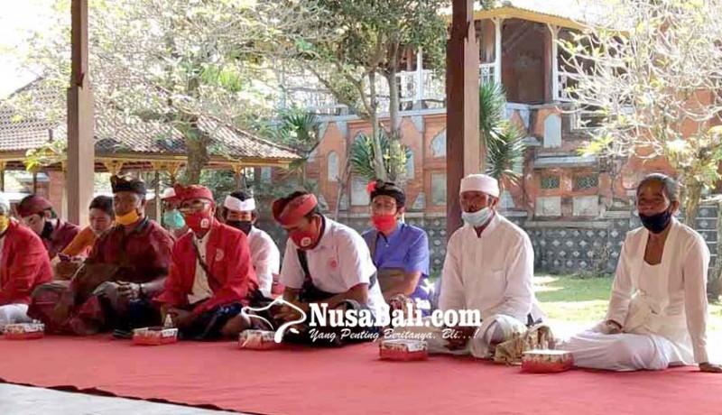www.nusabali.com-mantan-guru-agama-hindu-jalani-diksa-pariksa