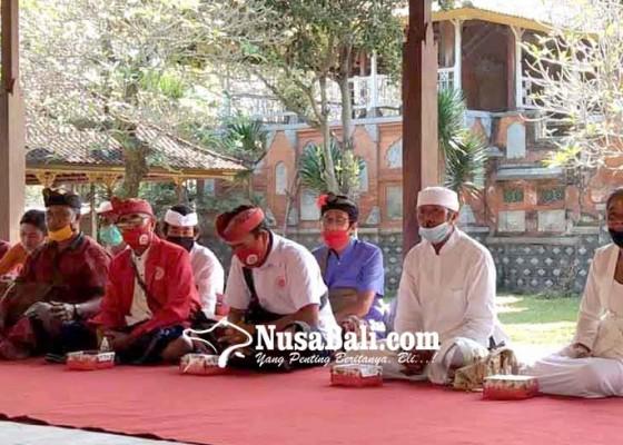 Nusabali.com - mantan-guru-agama-hindu-jalani-diksa-pariksa