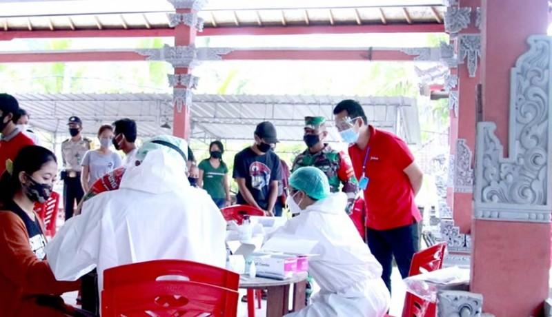 www.nusabali.com-752-warga-sebanjar-rapid-test-saat-karantina-6-reaktif