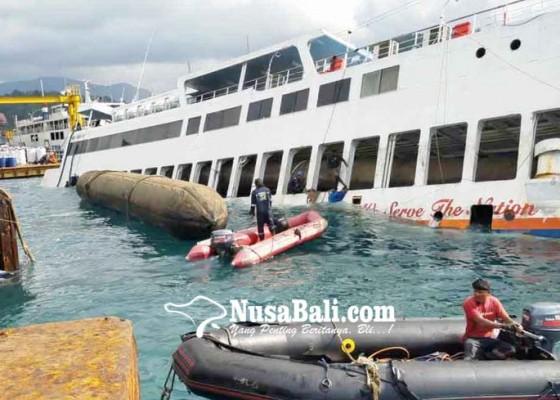 Nusabali.com - air-laut-pasang-kapal-gagal-terapung