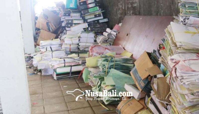 www.nusabali.com-puluhan-ribu-arsip-dimusnahkan