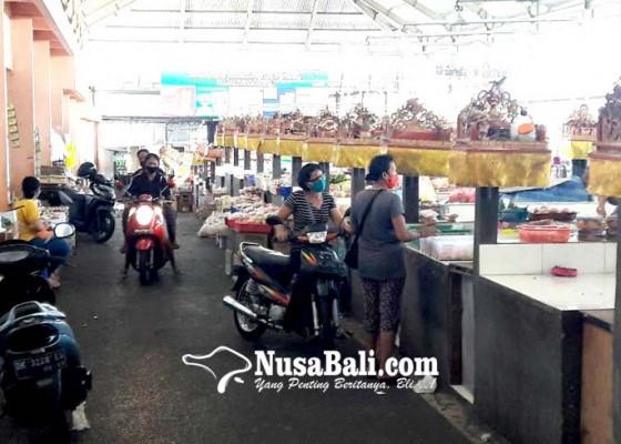 Nusabali.com - pasar-desa-adat-padangsambian-tetap-buka