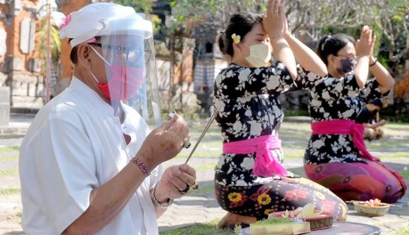 www.nusabali.com-persiapan-protokol-kesehatan-di-pura