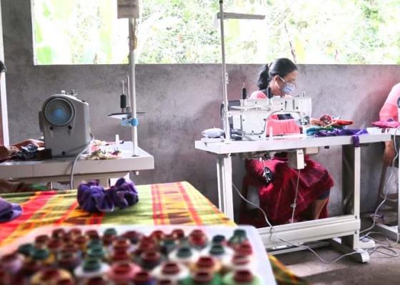 Nusabali.com - women-centre-rangkul-perempuan-bermasalah
