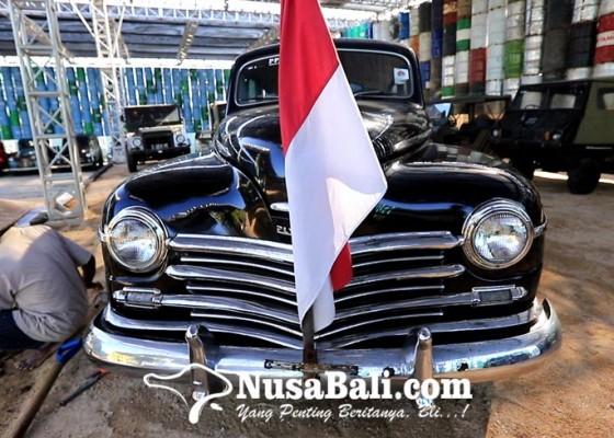 Nusabali.com - 100-mobil-klasik-dipamerkan-di-kebon-vintage-cars