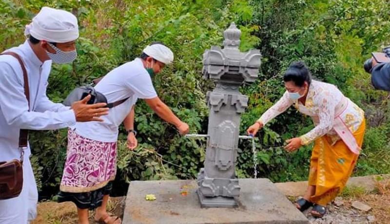 www.nusabali.com-air-telaga-waja-akhirnya-mengalir-di-kecamatan-kubu