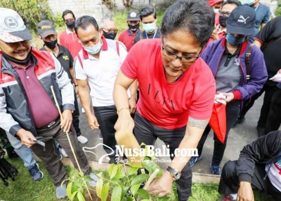 Nusabali.com - jaga-eksistensi-daerah-konservasi-bupati-akan-aktifkan-peran-jagawana