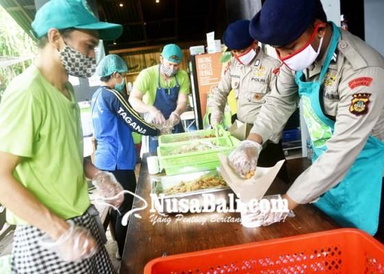 Nusabali.com - pemkot-inisiasi-tiga-dapur-umum-dari-csr