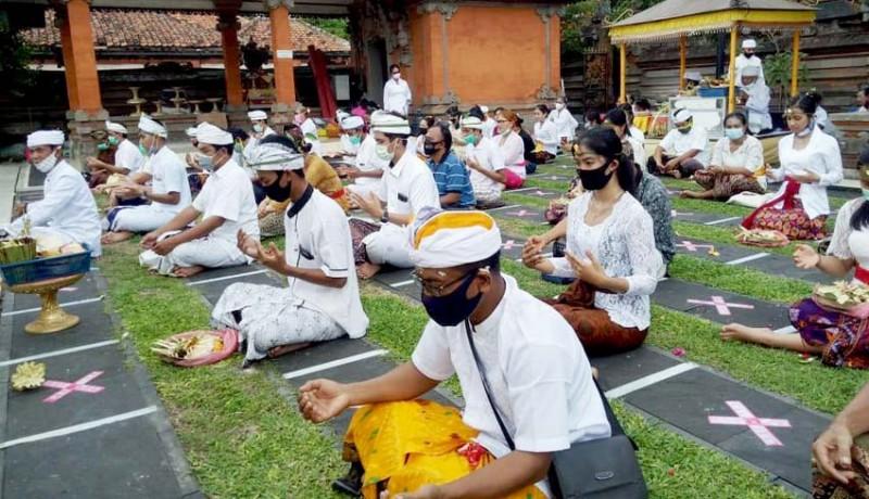 www.nusabali.com-32-murid-pasraman-kertajaya-jalani-upacara-samawarthana