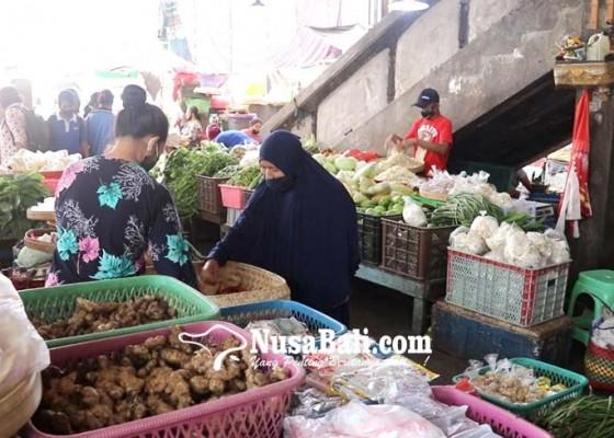 Nusabali.com - pedagang-pasar-anyar-sambut-new-normal