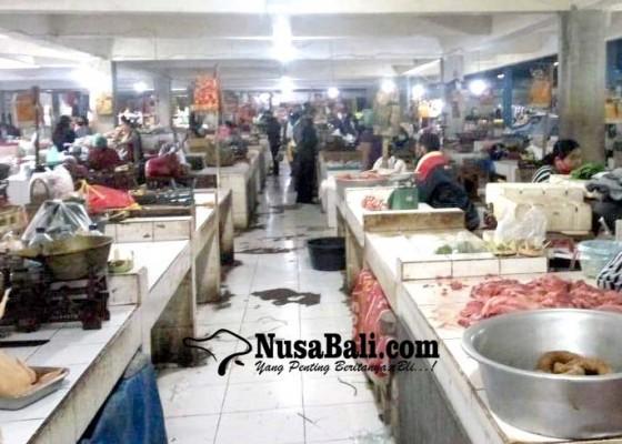 Nusabali.com - pedagang-tanpa-apd-diganjar-sanksi-push-up