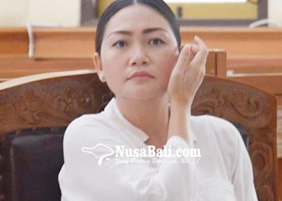 Nusabali.com - bantah-postingan-monyet-sebut-dakwaan-kabur