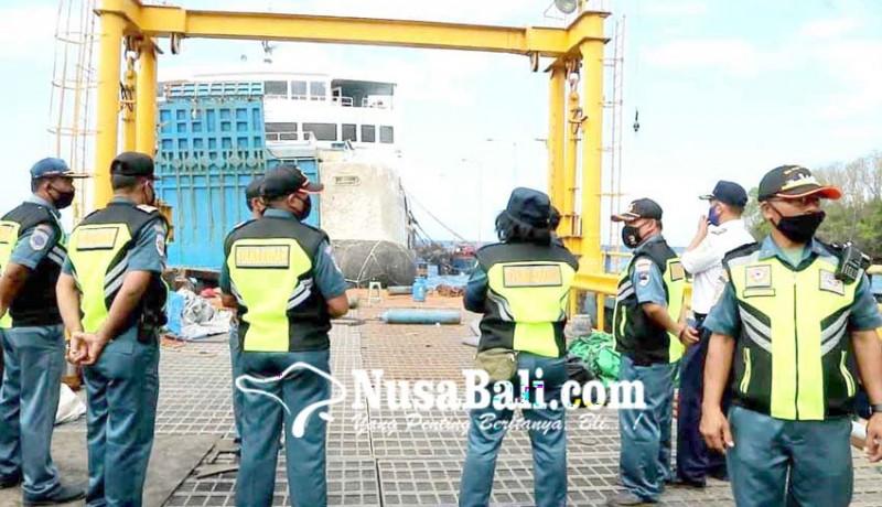 www.nusabali.com-kmp-dharma-rucitra-3-belum-ditarik-tunggu-pemeriksaan
