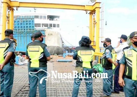 Nusabali.com - kmp-dharma-rucitra-3-belum-ditarik-tunggu-pemeriksaan