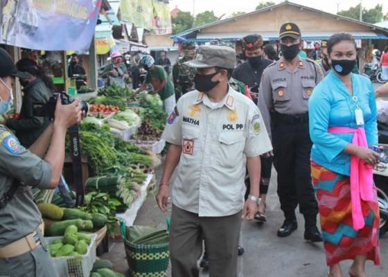 Nusabali.com - satpol-pp-cek-situasi-pasar-tradisional