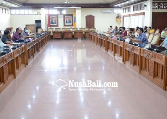 Nusabali.com - ketua-dprd-bali-cari-solusi-siswa-tercecer