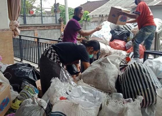 Nusabali.com - banjar-adopsi-sampah-plastik-ditukar-beras