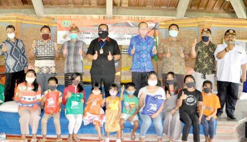 www.nusabali.com-wabup-sanjaya-serahkan-bantuan-di-panti-sos-bantas