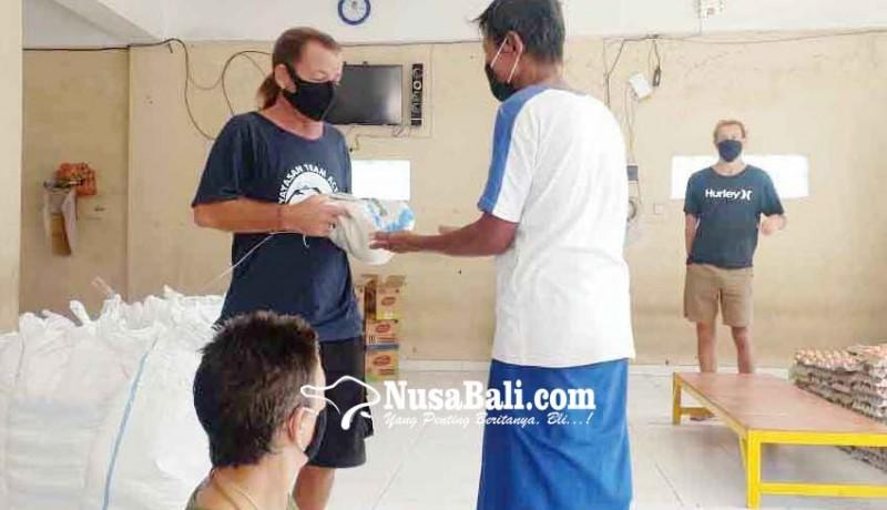 www.nusabali.com-satgas-desa-purwakerti-dapat-bantuan-531-sembako