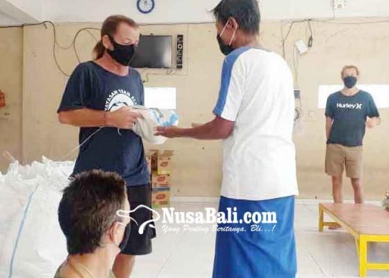 Nusabali.com - satgas-desa-purwakerti-dapat-bantuan-531-sembako