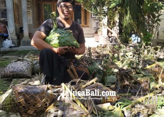 Nusabali.com - seniman-bakti-wiyasa-populerkan-tas-kisa