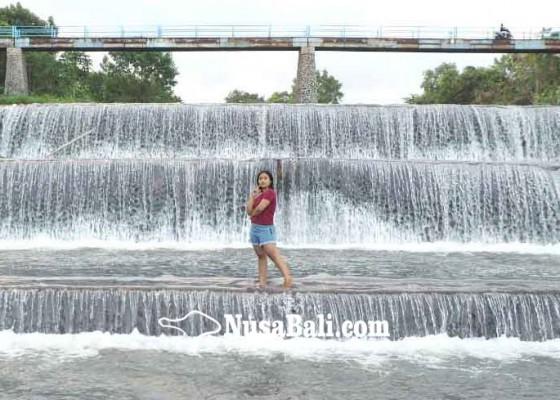 Nusabali.com - dam-tangkas-jadi-tempat-selfie