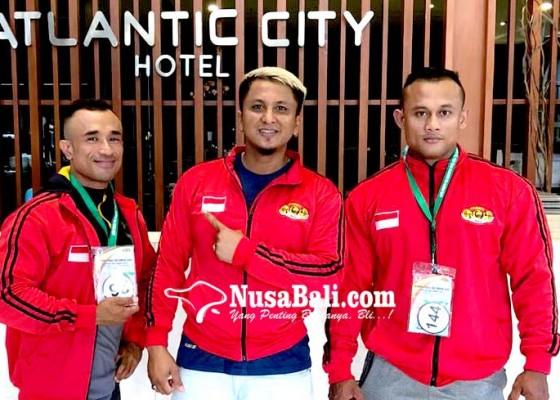 Nusabali.com - binaragawan-jaga-otot-di-tempat-kerja