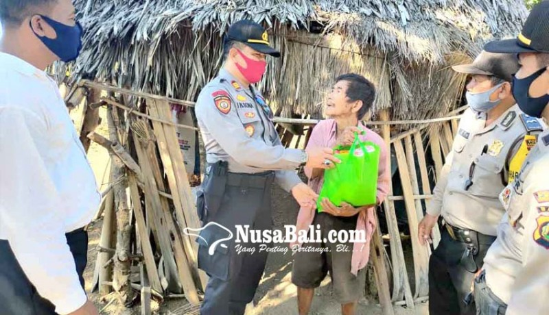 www.nusabali.com-polsek-kubu-bantu-kakek-sebatang-kara