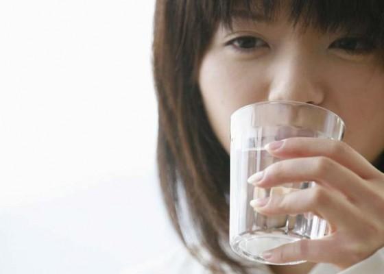 Nusabali.com - kesehatan-lebih-baik-minum-susu-yang-dimasak