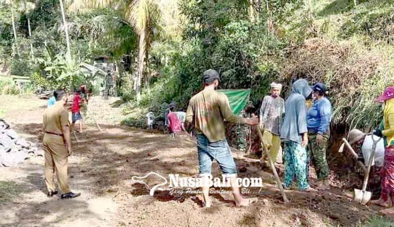 www.nusabali.com-gtpp-monev-pembangunan-jalan-di-desa-manggis