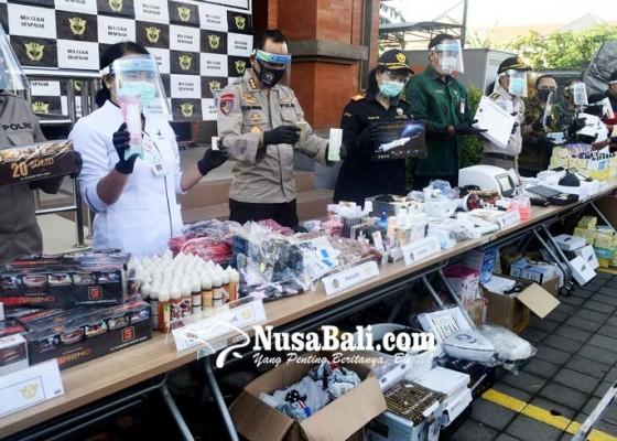 Nusabali.com - bea-cukai-musnahkan-barang-sitaan-senilai-rp-19m