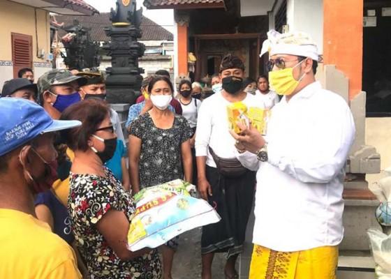 Nusabali.com - amd-gelontor-sembako-dan-madu-di-peguyangan