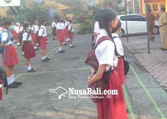 Nusabali.com - smpn-1-selat-gelar-mpls-tatap-muka