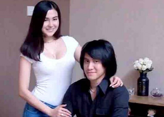 Nusabali.com - rahasiakan-tanggal-pernikahan