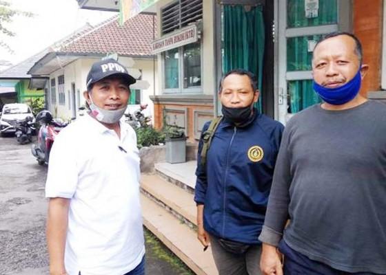 Nusabali.com - kaling-datangi-kantor-dinas-kesehatan