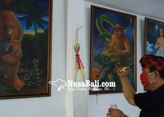 Nusabali.com - rochineng-pasupati-5-lukisan-makhluk-gaib-di-rumahnya