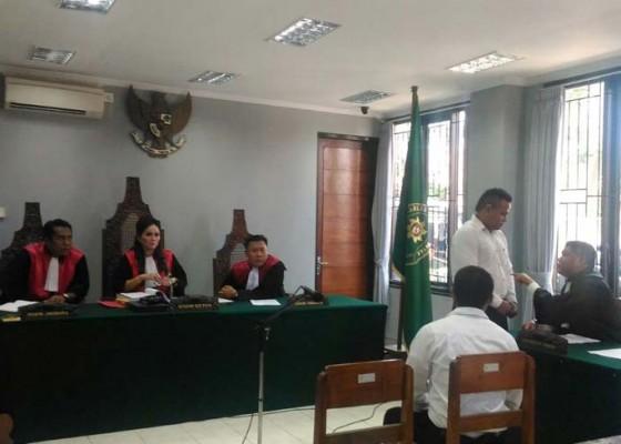 Nusabali.com - 2-terdakwa-eksekutor-dan-4-terdakwa-lainnya-disidang-terpisah