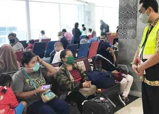 Nusabali.com - sejumlah-orang-masih-abaikan-jarak-aman