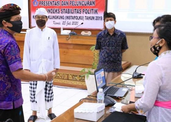 Nusabali.com - bupati-suwirta-luncurkan-buku-indeks-stabilitas-politik-klungkung
