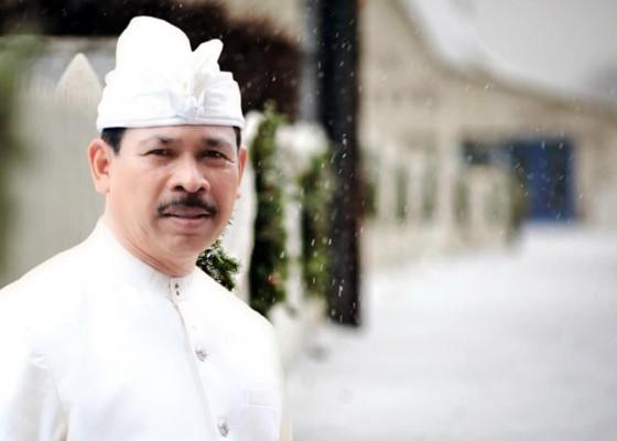 Nusabali.com - peduli-warga-miskin-ketut-rochineng