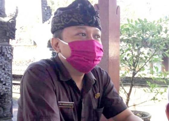 Nusabali.com - kelurahan-salurkan-20-paket-sembako