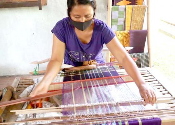 Nusabali.com - tenun-bangkit-di-tengah-pandemi
