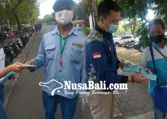 Nusabali.com - hambat-penyebaran-covid-19-pik-m-stiki-bagikan-masker-gratis