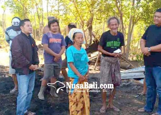 Nusabali.com - ketua-fraksi-nasdem-bantu-korban-kebakaran
