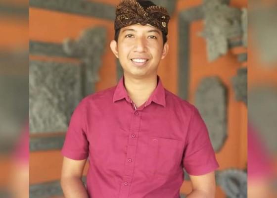 Nusabali.com - hobi-nyanyi-sekdes-rilis-single-aluh-aluh-keweh
