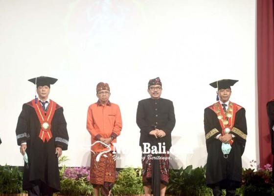 Nusabali.com - kadis-kebudayaan-bali-dikukuhkan-jadi-guru-besar