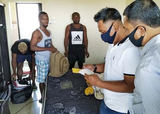 Nusabali.com - overstay-tiga-wna-nigeria-diamankan-petugas-imigrasi