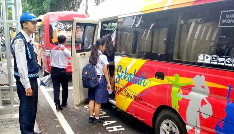 www.nusabali.com-12-bus-sekolah-nganggur-sejak-april-2020